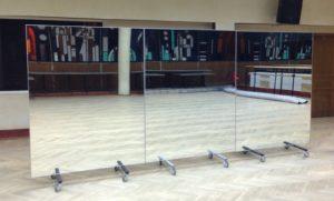 Большие зеркала для зала